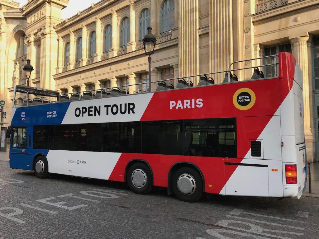 Bus Paris l'Opentour à la gare du Nord